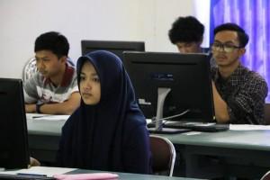 Pelaksanaan-Ujian-Tes-Berbasis-Komputer-di-Fakultas-Teknik-UM-6