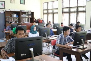 Pelaksanaan-Ujian-Tes-Berbasis-Komputer-di-Fakultas-Teknik-UM-7