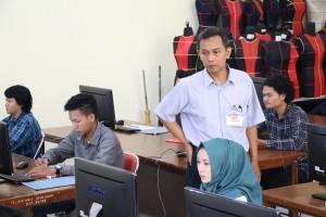 Pelaksanaan-Ujian-Tes-Berbasis-Komputer-di-Fakultas-Teknik-UM-9